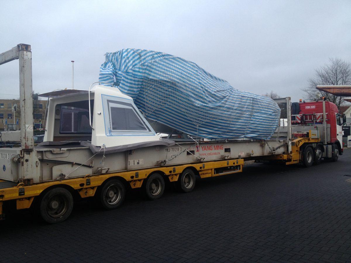 Transport van Smartliner 26 offshore naar boatshow in Dusseldorf