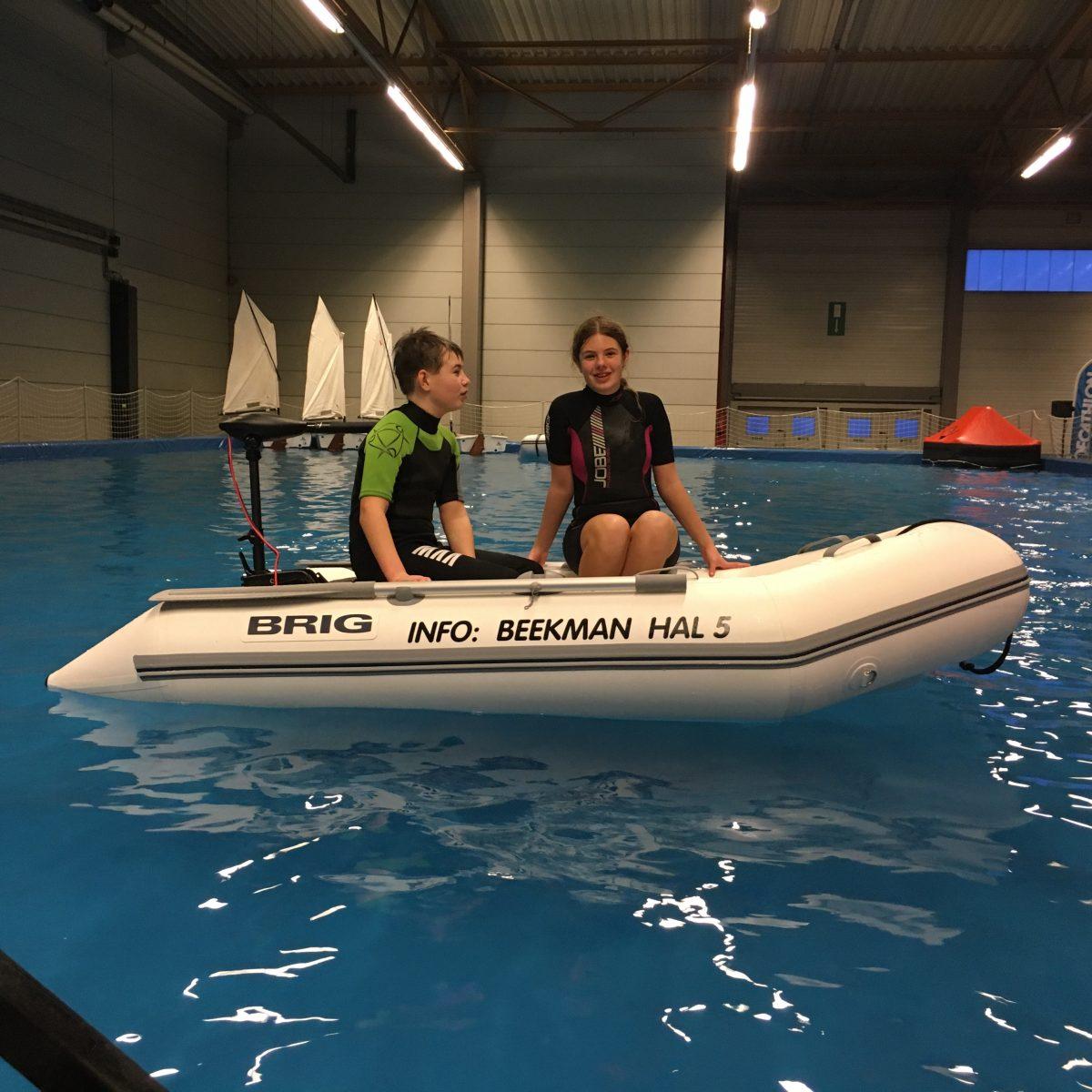 Demorubberboten van Beekman Watersport in bassin op Belgium Boat Show