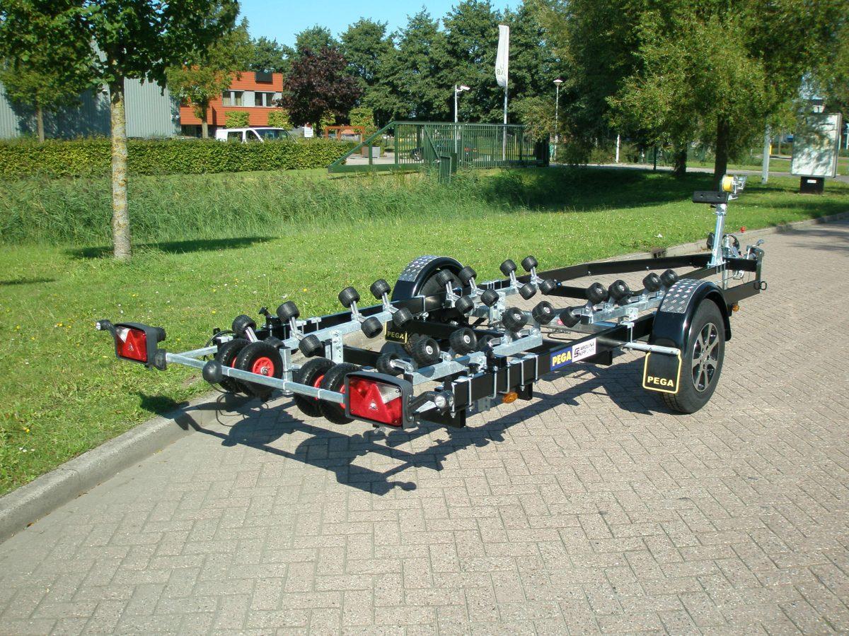Rollertrailer van PEGA